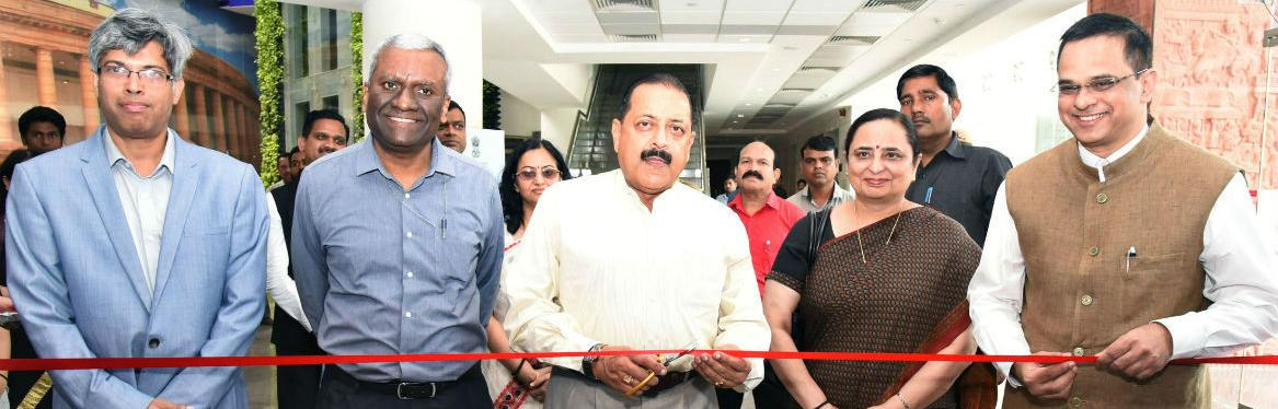 MoS Dr Jitendra Singh inaugurating the exhibition at the launch of Centralised Public Grievances Redress and Monitoring System (CPGRAMS) reforms in Department of Posts, at a function organised by Ministry of Personnel, Public Grievances and Pensions,  in New Delhi on September 25, 2019. The Secretary (DARPG & Pensions) Shri K. V. Eapen and Director General Posts, Smt Meera Nanda is also seen.