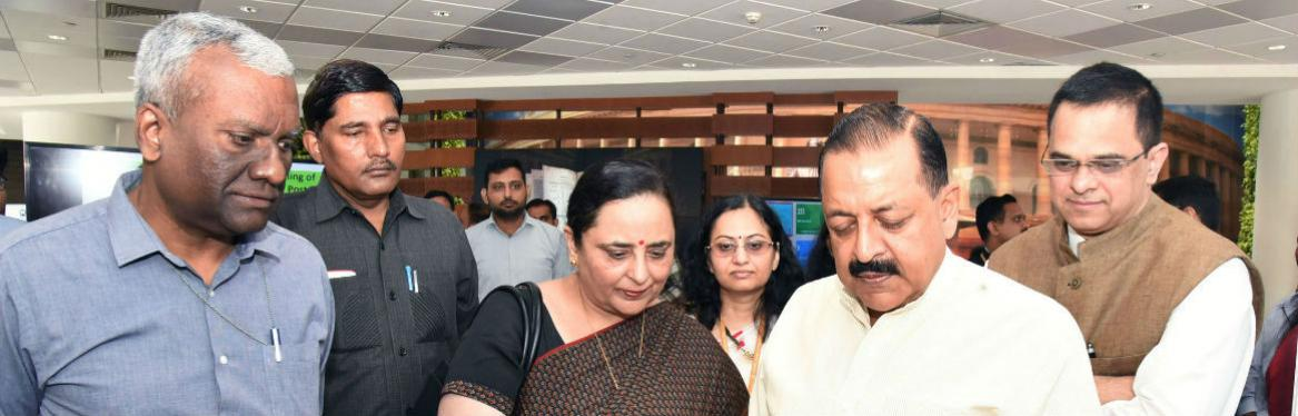 MoS Dr Jitendra Singh visiting the exhibition at the launch of Centralised Public Grievances Redress and Monitoring System (CPGRAMS) reforms in Department of Posts, at a function organised by Ministry of Personnel, Public Grievances and Pensions,  in New Delhi on September 25, 2019. The Secretary (DARPG & Pensions) Shri K. V. Eapen and Director General Posts, Smt Meera Nanda is also seen.